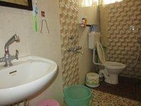 13S9U00118: Bathroom 2
