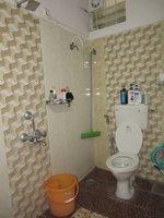 13S9U00118: Bathroom 1