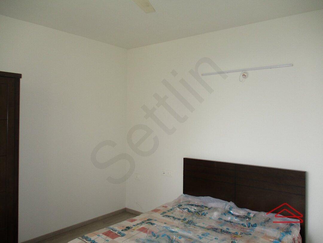 15S9U01106: Bedroom 1