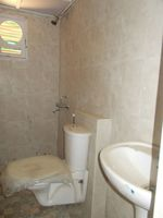 13M5U00092: Bathroom 2