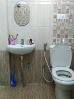 12J6U00243: Bathroom 1