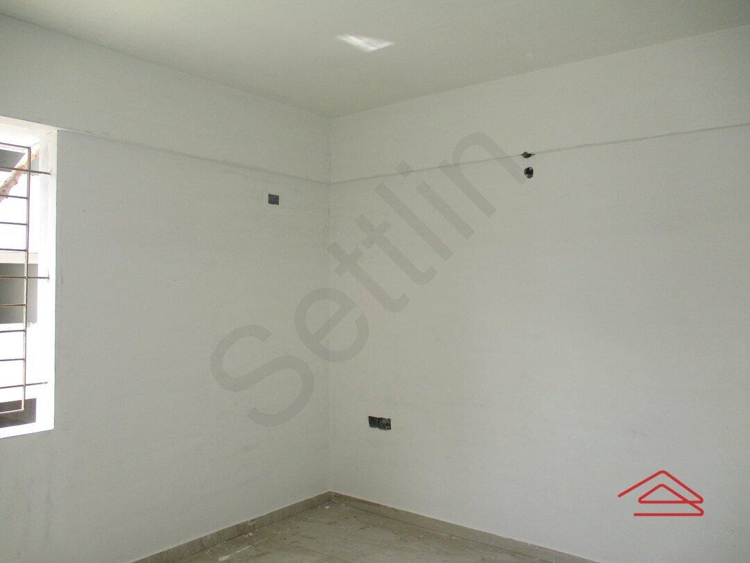 15S9U01046: Bedroom 1