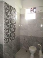 11DCU00390: Bathroom 1