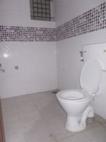 12OAU00180: Bathroom 3