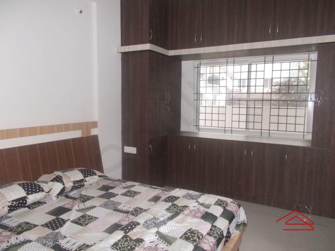 12OAU00180: Bedroom 1