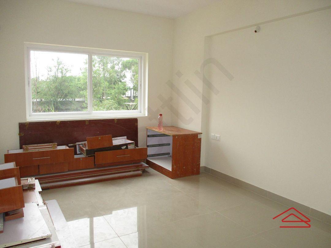 10A4U00243: Bedroom one