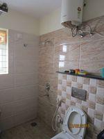 13F2U00307: Bathroom 2