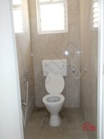 13M5U00404: Bathroom 3
