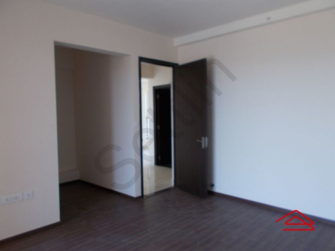 13M5U00404: Bedroom 1