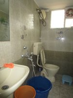 14A4U00629: Bathroom 2