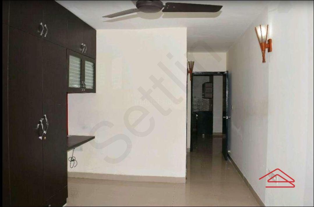 13F2U00308: Bedroom 1