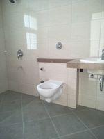13J7U00462: Bathroom 2