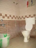 11J6U00227: Bathroom 1