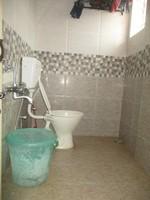 11J6U00227: Bathroom 2