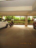 15J7U00119: parkings 1