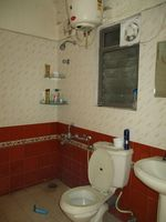 10F2U00145: Bathroom 1