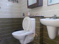 13A8U00268: Bathroom 2