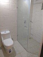 15S9U00878: Bathroom 1