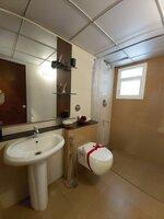 15M3U00169: Bathroom 2