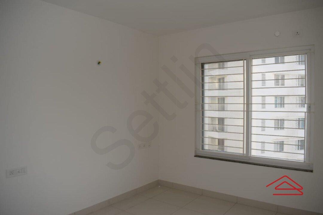 15M3U00169: Bedroom 1