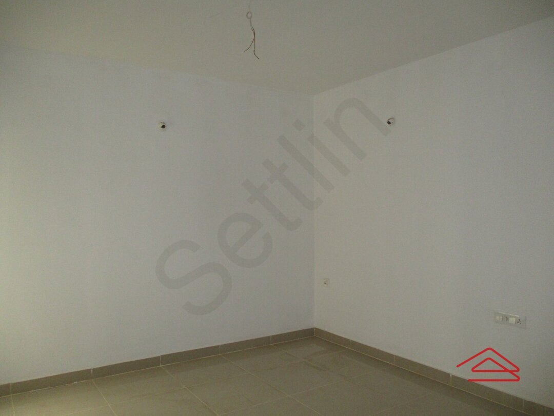 15J7U00256: Bedroom 1