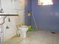 12OAU00217: Bathroom 1