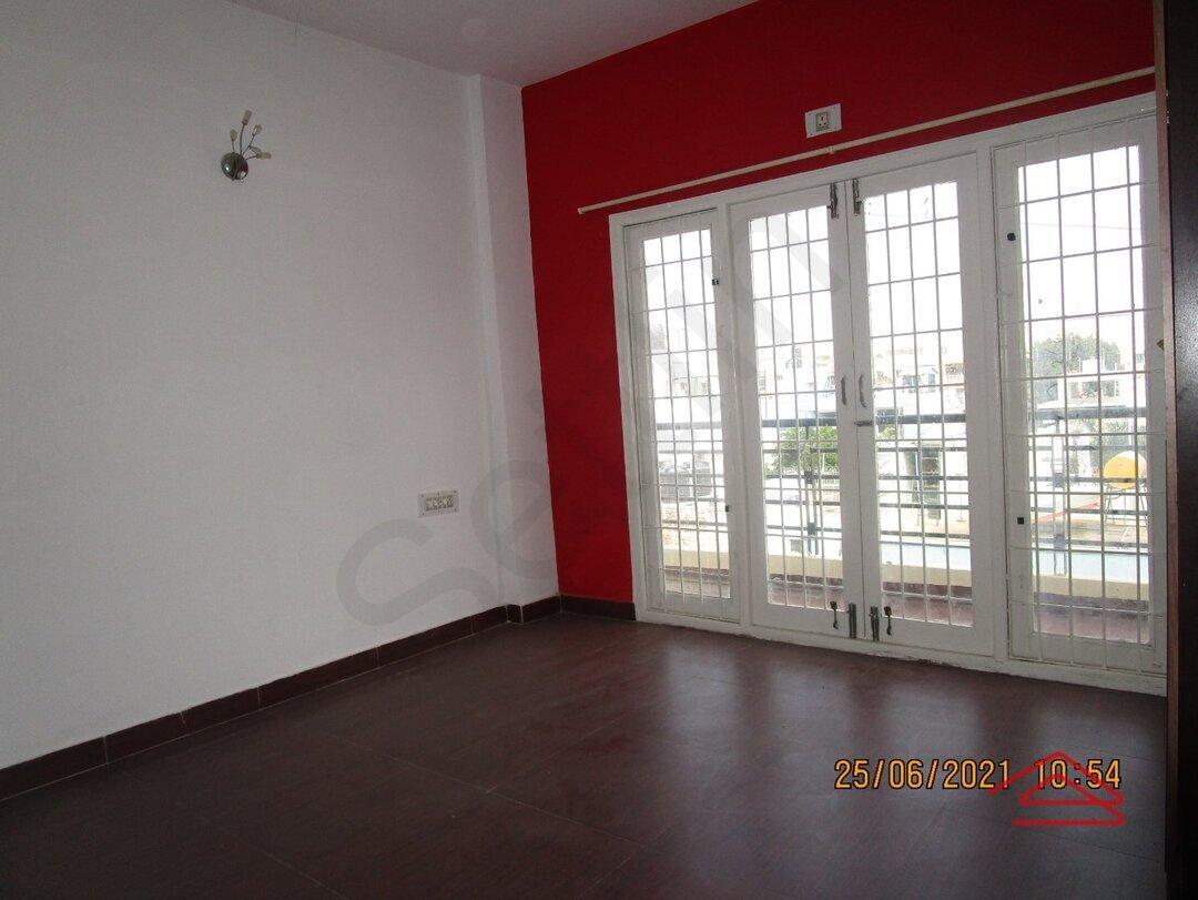 15A4U00442: Bedroom 1