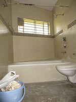 10OA00061: Bathroom 3