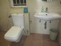 14J1U00146: Bathroom 1
