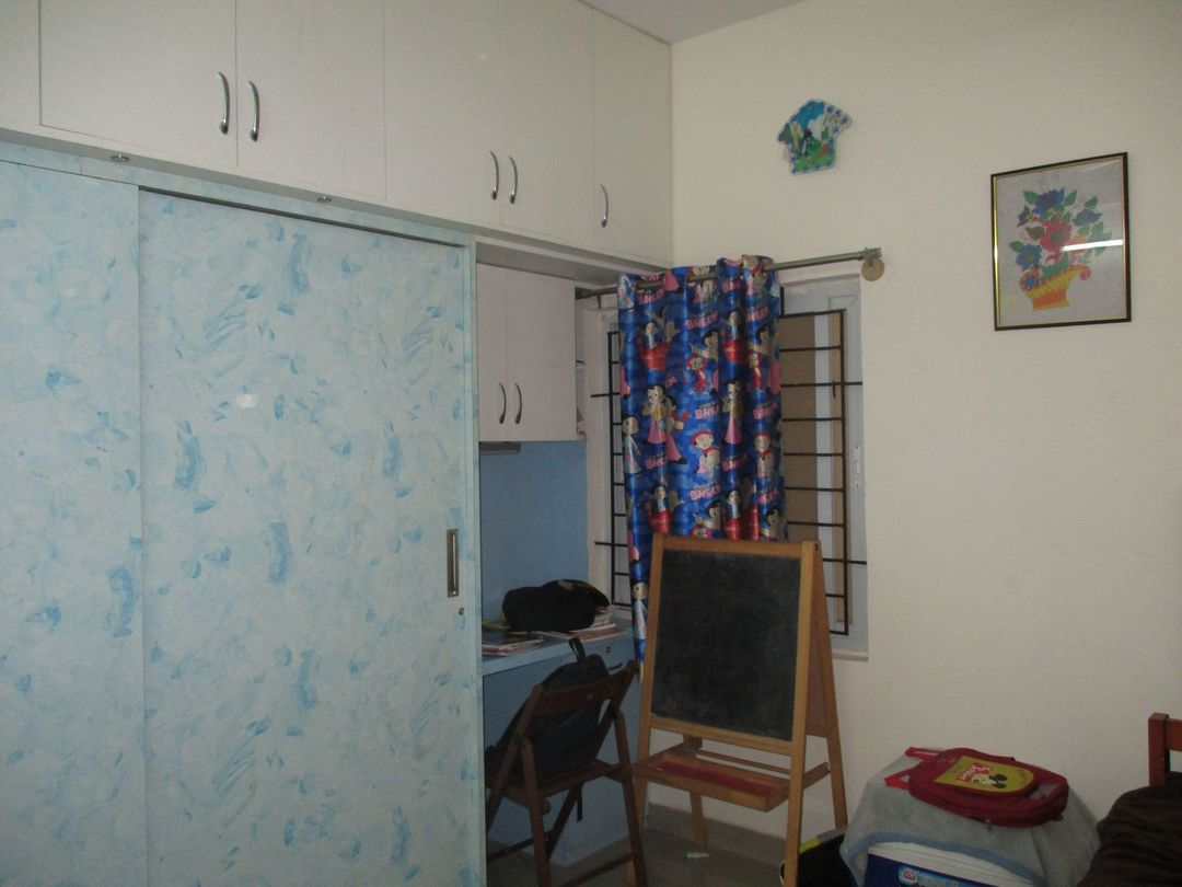 10J6U00340: Bedroom 1