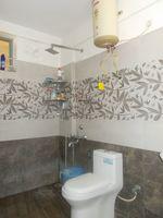 13J1U00117: Bathroom 2