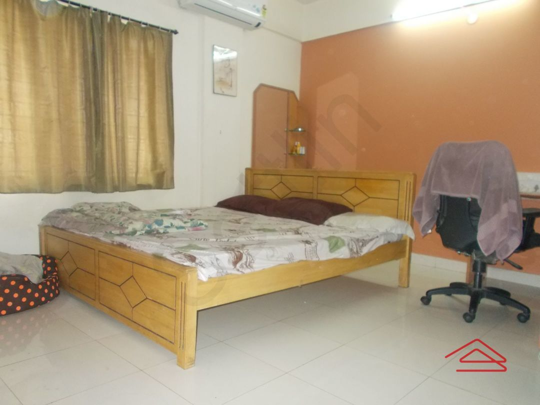 13J1U00117: Bedroom 1