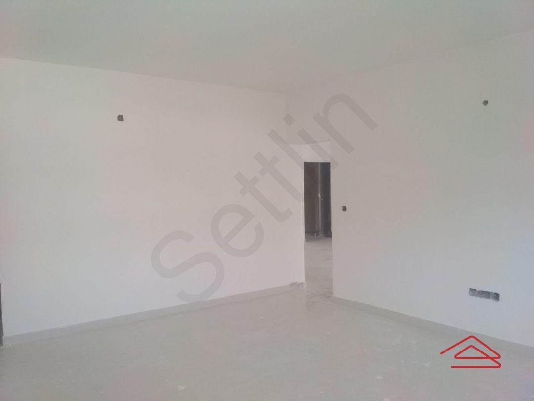 13M5U00662: Bedroom 1