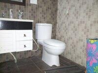 15A4U00102: Bathroom 1