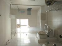11S9U00198: Bathroom 3
