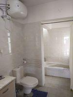 11S9U00198: Bathroom 4