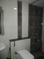 11J6U00039: Bathroom 2