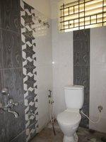 13OAU00283: Bathroom 1