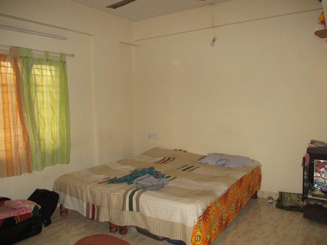 10F2U00197: Bedroom one