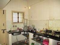 10F2U00197: Kitchen