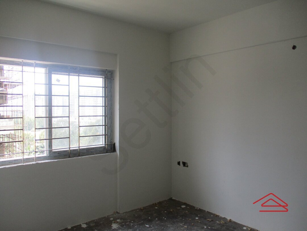 15S9U01119: Bedroom 1