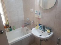 15A4U00365: Bathroom 1