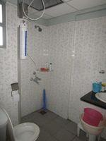 13J6U00133: Bathroom 2