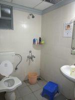 13J6U00133: Bathroom 1