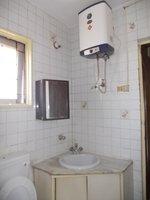 14F2U00048: Bathroom 2