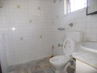 14F2U00048: Bathroom 1