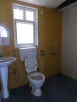13A4U00138: Bathroom 2