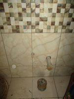 10J7U00287: Bathroom 2