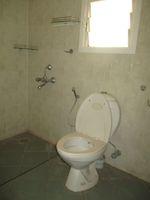 13M5U00070: Bathroom 3