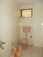 12S9U00240: Bathroom 2